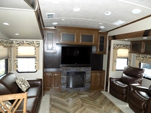 2016 Cedar Creek SIlverBack Edition 5th Wheel Camper